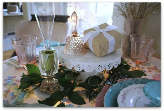 Cakeplate in Tablescape