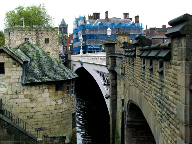 Bridge into York