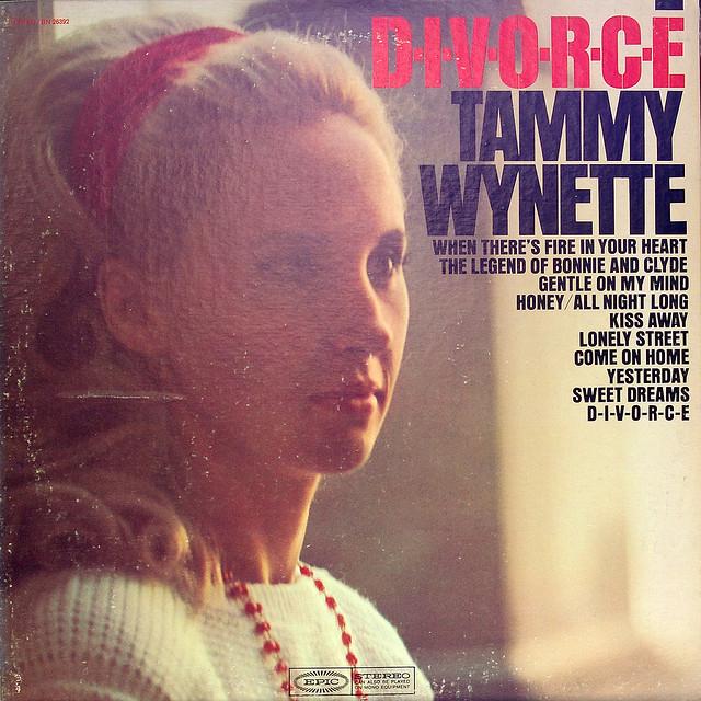Tammy Wynette, D I V O R C E