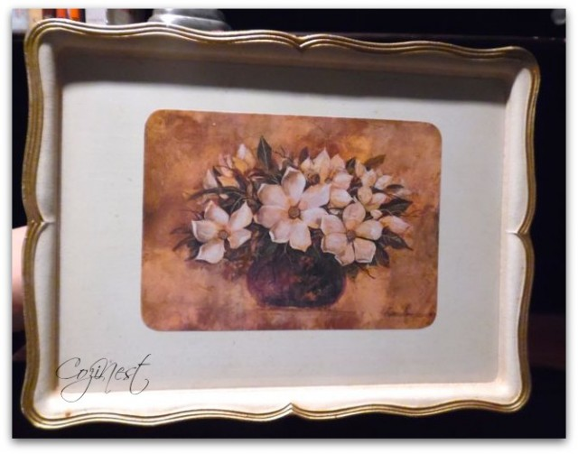 Tray with photo easel