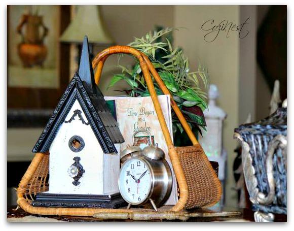 Birdhouse Vignette