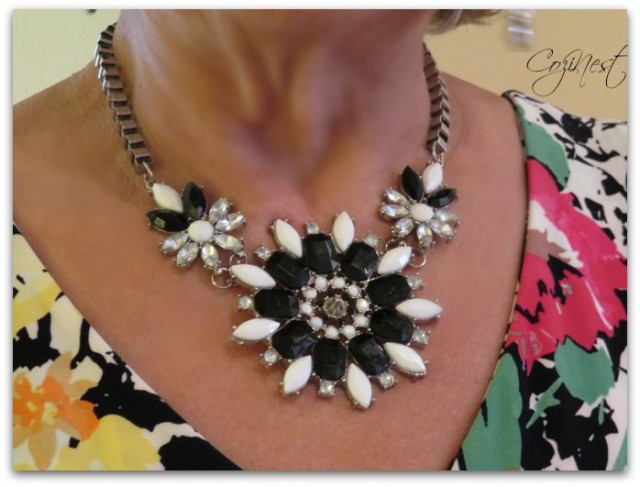 Black and White Bibb Necklace